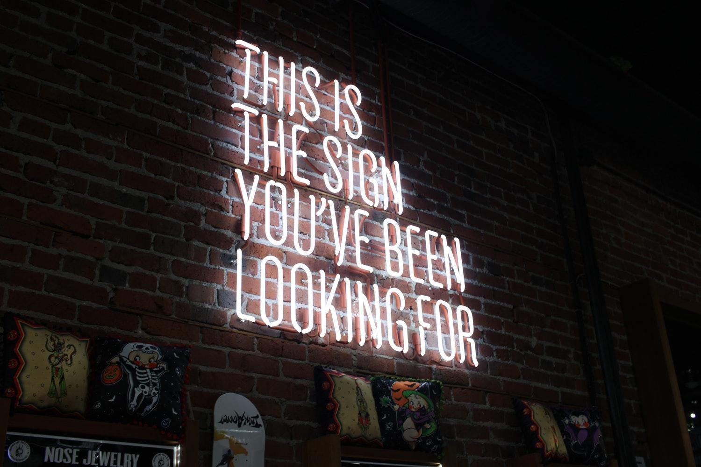 Is uw bedrijf in groei / verandering / beweging / … en moeten de verschillende generaties mee?    Weet u het niet meer hoe u de nieuwe generatie aan talent moet recruteren, behouden en/of zelfs laten vertrekken?    Waar zit de splinter die ervoor zorgt dat nieuwe medewerkers niet aanvaard worden in uw organisatie?    Wil u structureel uw cultuur wijzigen om generaties te zetten in hun authentieke kracht?   We begeleiden uw organisatie door de verandering die nodig is om met talent vertrouwende vooruitgang te boeken. En dit doen we als  DOENERS, niet als BLABLABLA'ers !  Samen met u, één of meerdere HR consultants én ons  7 sporen model  blazen we  energie  in je organisatie.   Waarom het 7 sporen model?   - Maakt gebruik van de verschillende activiteiten van Generstation  - Zet in op de hele levenscyclus van uw medewerkers (JOIN - STAY - LEAVE)  - Duidelijk en verstaanbaar voor iedereen  - Werkt duurzaam en is gemakkelijk te onderhouden
