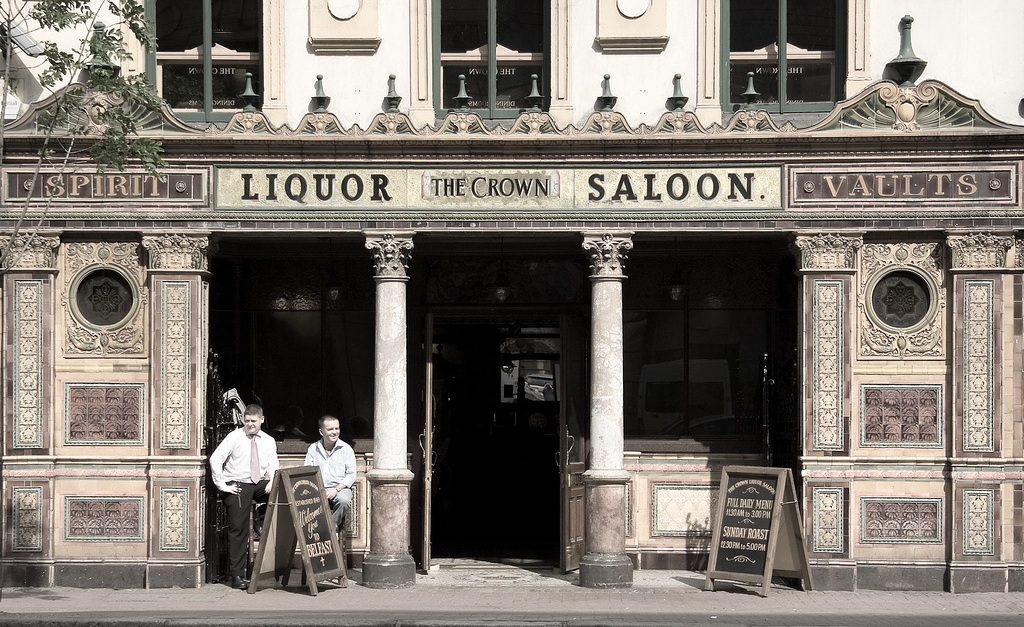 """4. Belfast's Best Pubs - Private Tour - """"Had a great walking Pub Tour with friends from Dublin and Scotland. Very educational on one hand but good fun on the other hand. Aidan was very easy going and very knowledgeable. Would highly recommend this tour to anybody. Top Class"""" Michael M"""