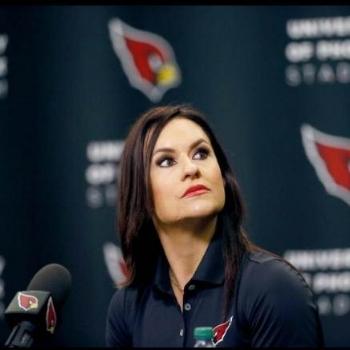 DR. JEN WELTER     Empowerment Expert    First Female NFL Coach & Motivational Speaker