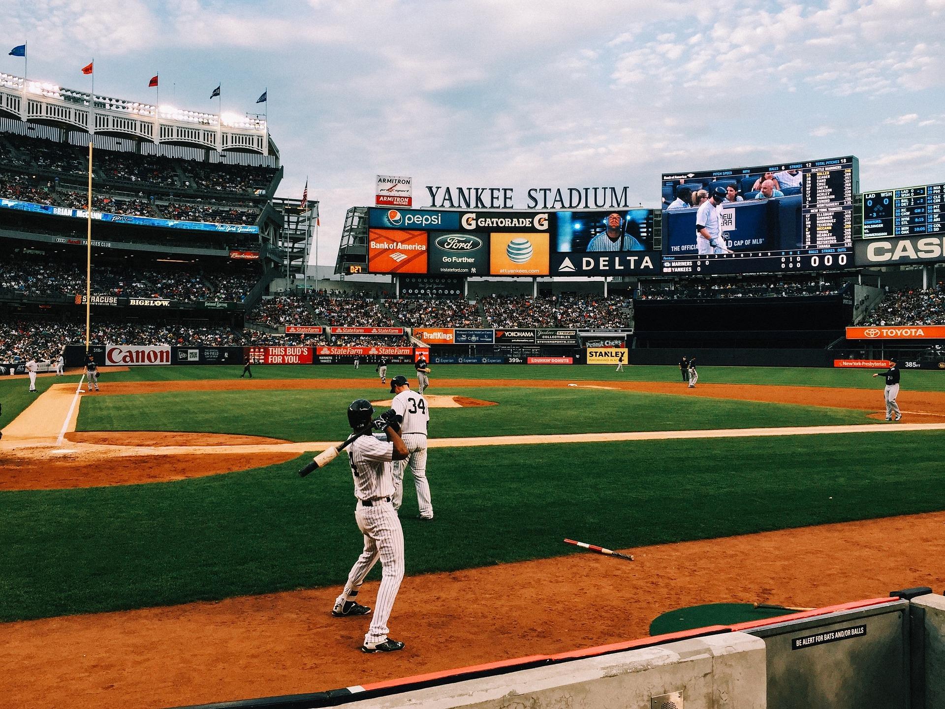 baseball-field-1081692_1920.jpg