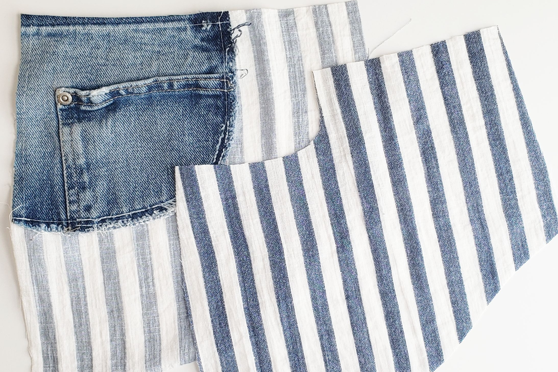 Original pocket facing attached to bottom of pocket stay/pocket bag.