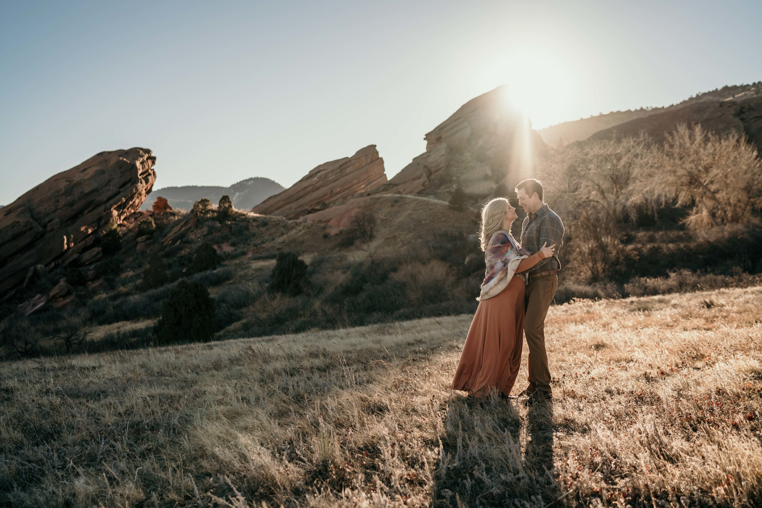 red rocks maternity photoshoot at golden hour