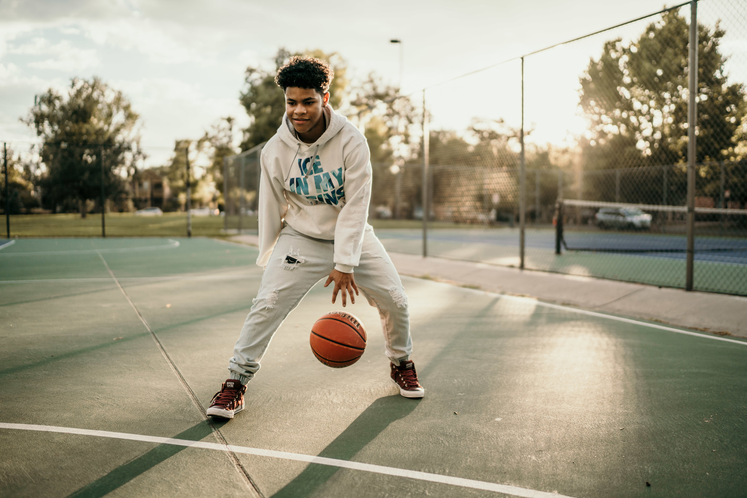 denver senior photos with basketball in rino
