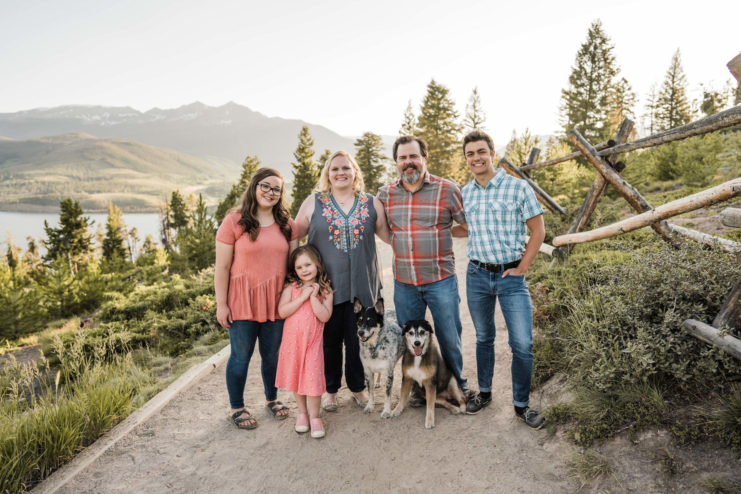 denver-family-photographer-in-breckenridge-mountains-DSC03575.jpg