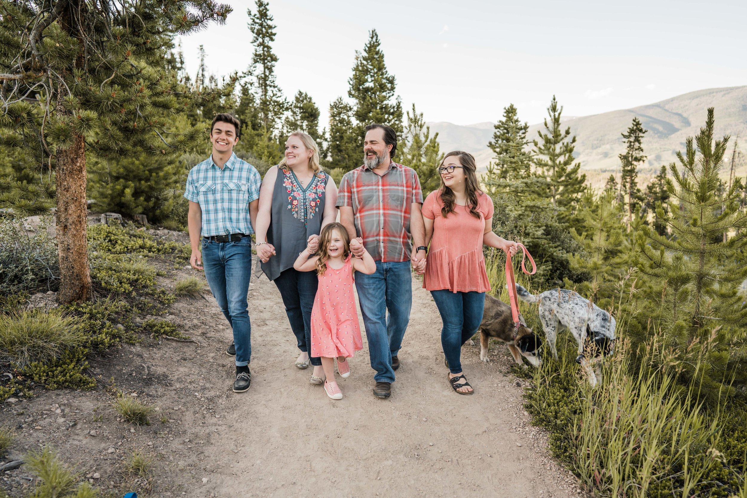 denver-family-photographer-in-breckenridge-mountains-DSC03510.jpg