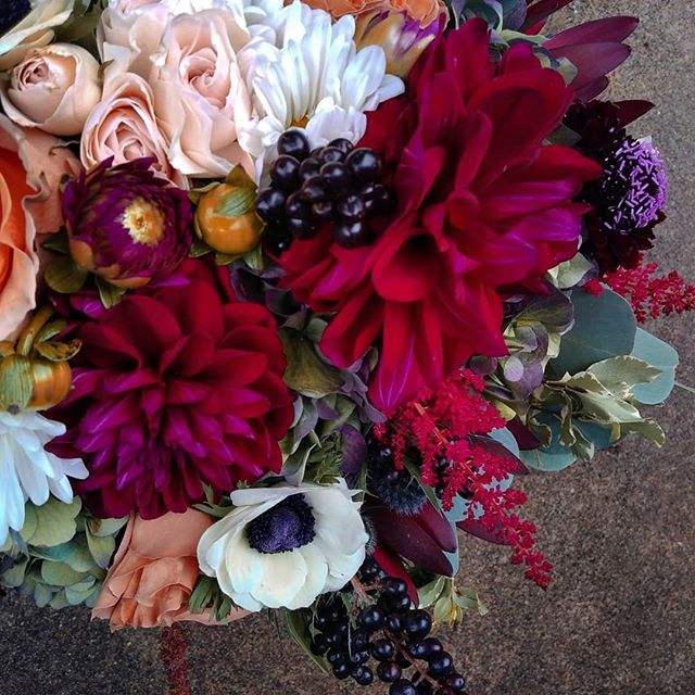 Introducing bouquet #2 from this weekend. Its just as pretty as the 1st 😁