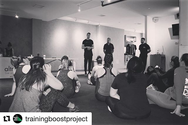 Throwback Thursday to helping out the @trainingboostproject at their fitness summit and introducing @revmethod to the Astoria community.  #Repost @trainingboostproject with @get_repost ・・・ #TrainingBoostThursday⁣ ▪️⁣ Since we are excited about taking the @revmethod course this weekend it only feels right to throw it back to our first Training Boost Summit. ▪️ #tbt to @dr.joeturcic and @askdrchad from @symbiopt talking about the importance of mobility and rotation for optimal human performance. ▪️⁣ #trainingboostproject  @ferg_training  @ebaumfitness  @myfitlifenyc #education #trainereducation #personaltraining #physicaltherapy #fitness #learnmore #nyc