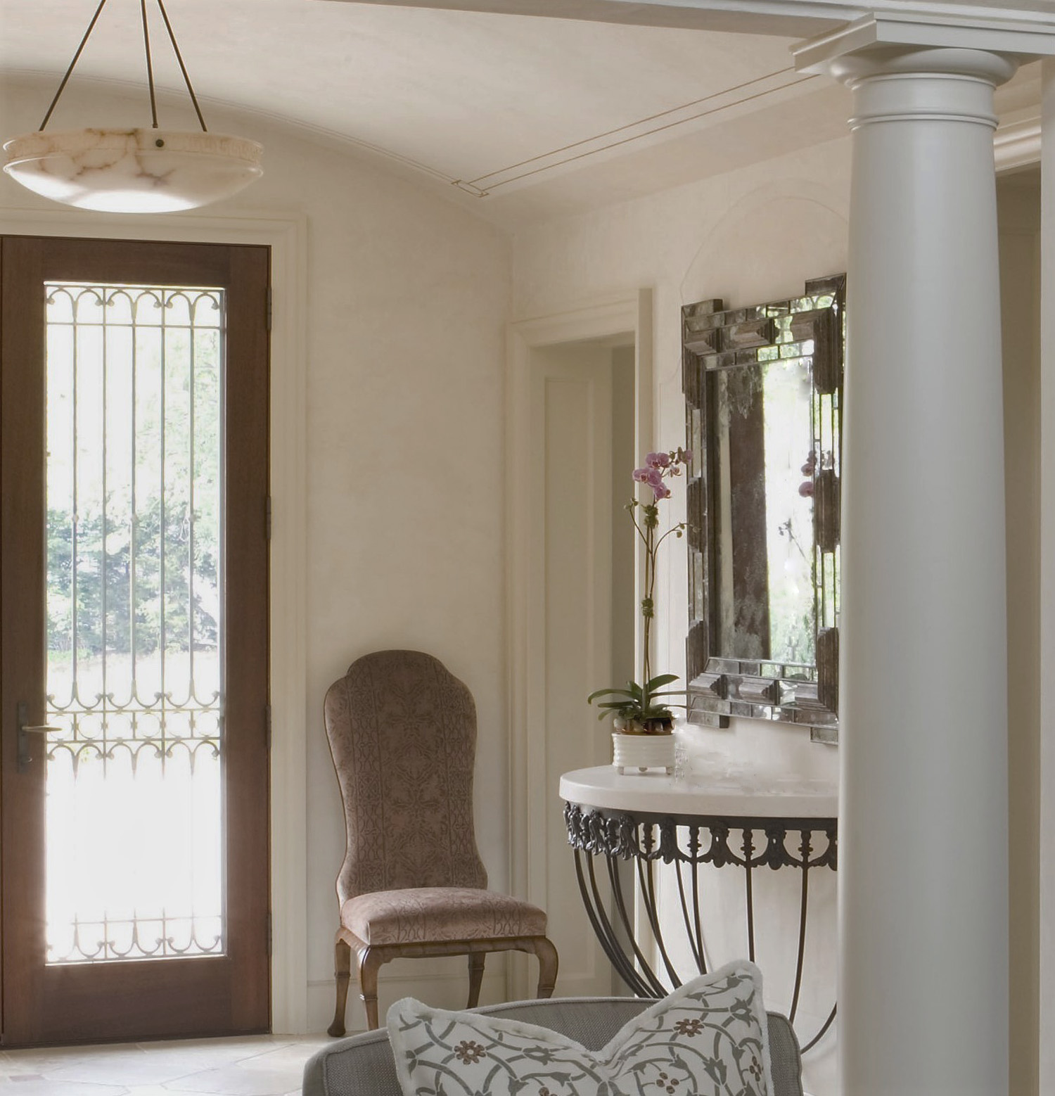 Scudiery Entry with Mirror.jpg