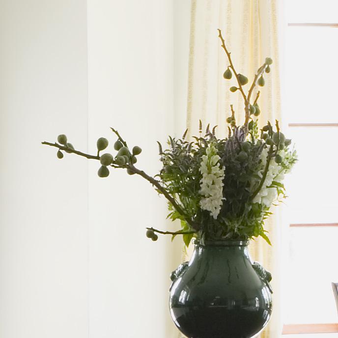 green_vase.jpg