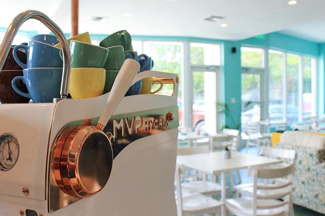 Open & ready to fuel your morning! . . #miamispecialtycoffee #miami #allapattah #wynwood #miamicoffee #coffee #espresso #specialtycoffee #decocoffee #decocoffeeco #bestofmiami #thirdwave #icedcoffee #latte #coldbrew #pourovercoffee