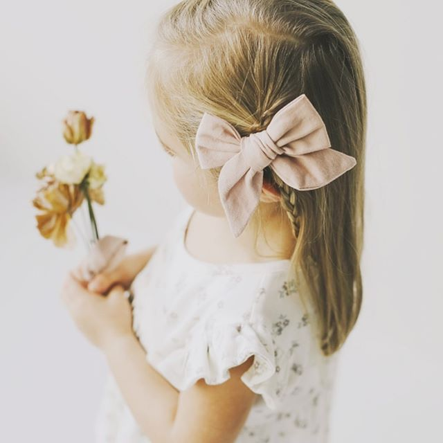 Complete the look with these Jamie Kay bows that have finally gotten in store! DM us for more info! . . . . . . . . . . . . . . . . . . . . . . . . . . . . . . . . . #shoplocallabel #jamiekay #bow #fortworth #love #linen #pretty #baby