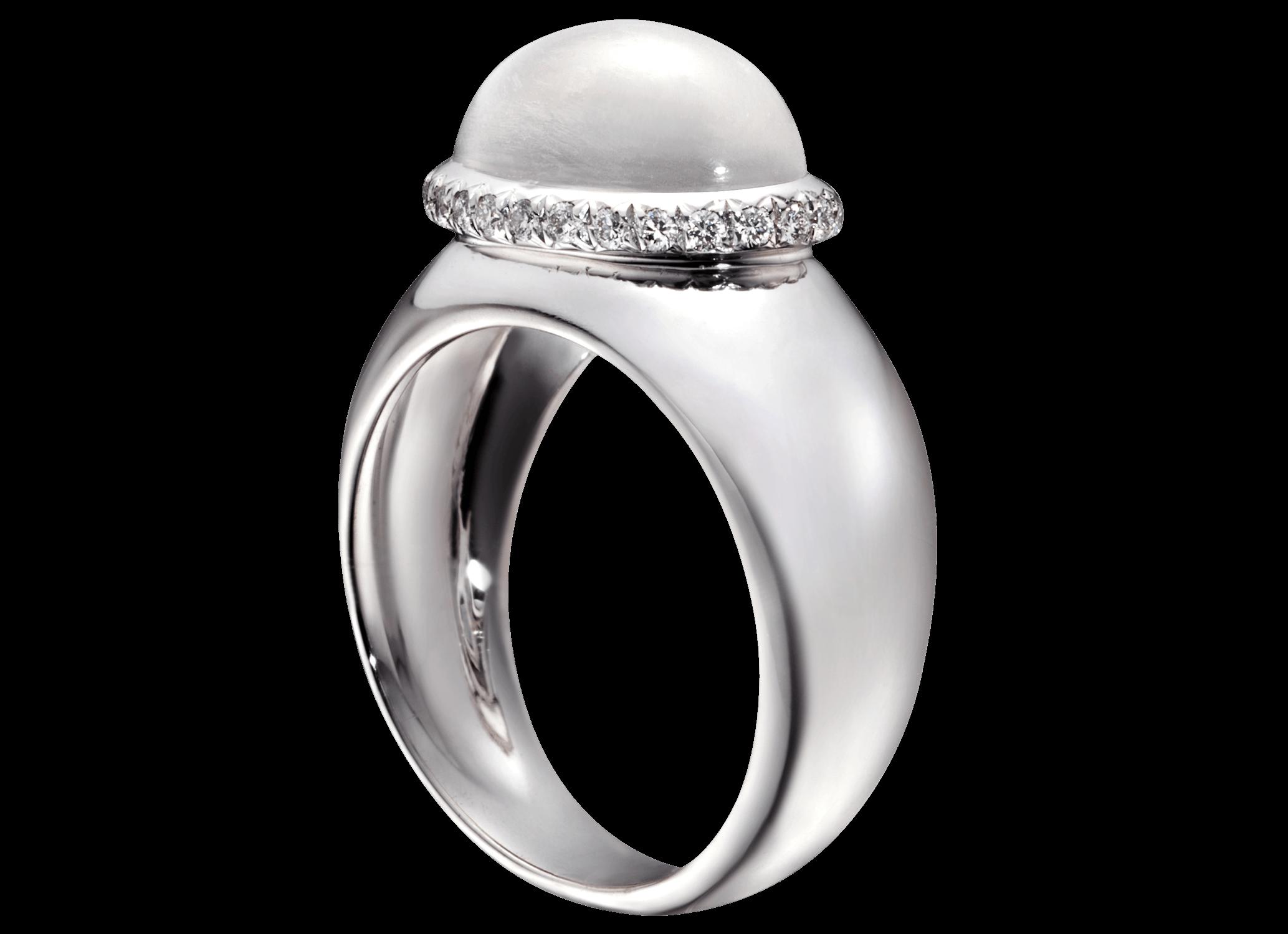 Bague Caboche - À partir de 1 500 €Avec un cabochon de quartz : citrine, améthyste,…(modèle présenté 2 100 €, pierre de Lune et pavage de 27 diamants)
