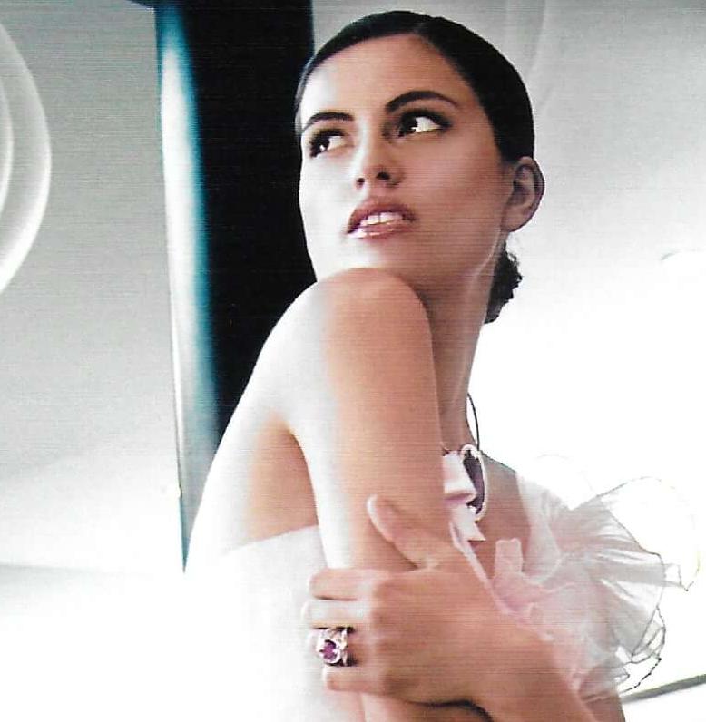 2012 Mode Lifestyle Magazine janv 2012 6 zoom.jpg