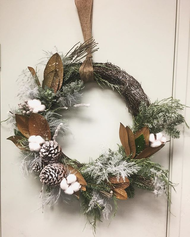 We are ready for our holiday greens workshop Thursday November 29th! Sign up now. Spaces are limited. Enjoy making your holiday greens with us!(619) 966 4510 or email us at design@lmflorals.com #christmas #holidays #christmas2018 #floral #floraldesigner #designer #winter #snow #letitsnow #wreath #white #whitechristmas #local #buylocal #supportlocal #lamesa #lamesavillage #sandiego #sandiegoflorals