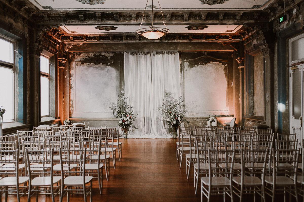 89434-romantic-winter-wedding-at-the-george-ballroom-by-caroline-sada-photography.jpg