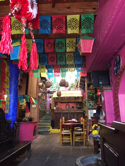 Mexico_colorfull_market.jpeg