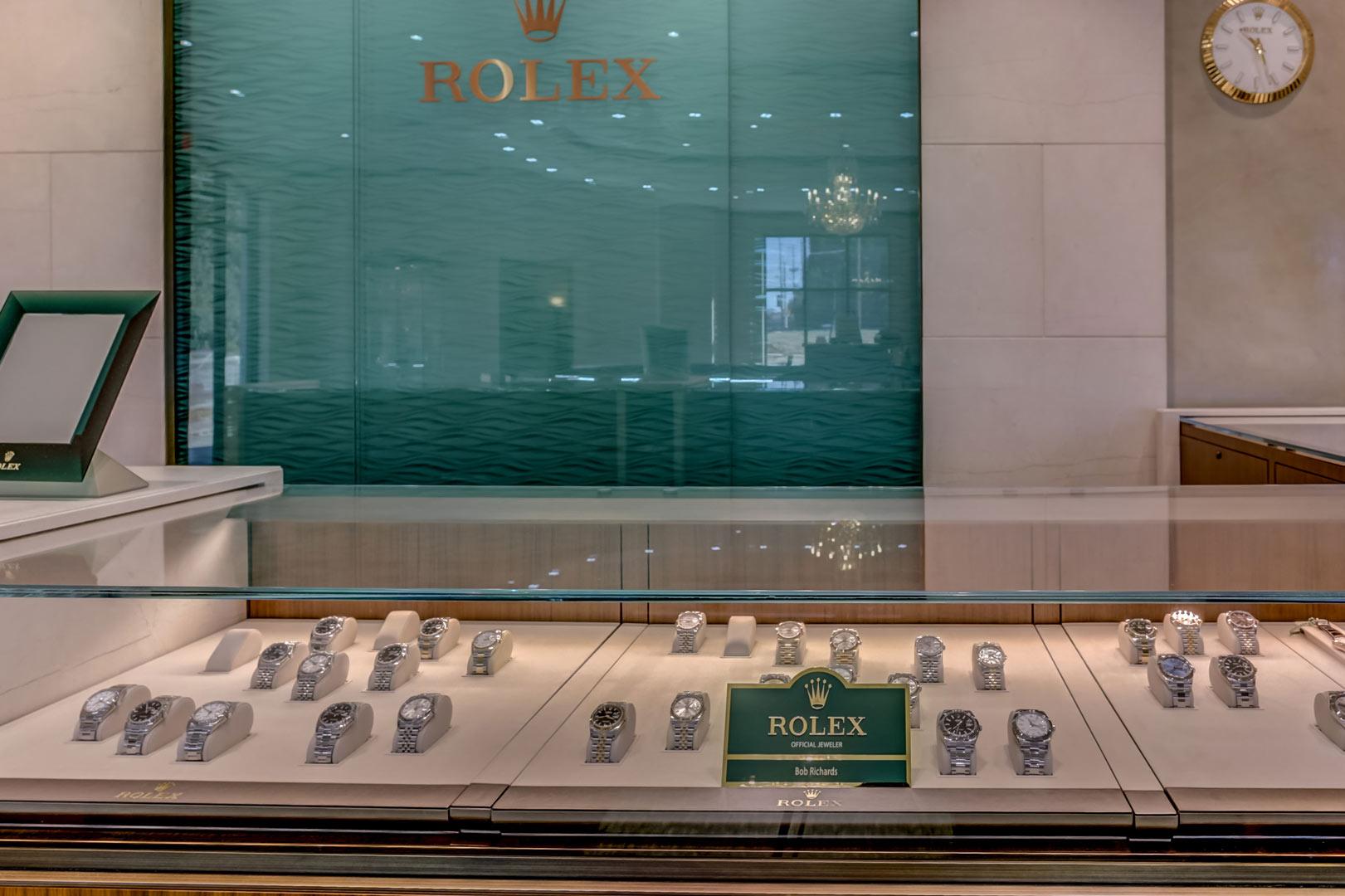 Albertine-Commercial-Bob-Richards-Jewelers-03.jpg