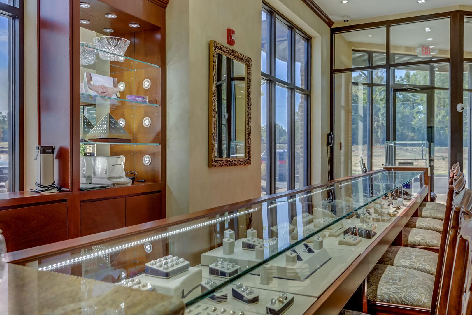 Albertine-Commercial-Bob-Richards-Jewelers-04.jpg