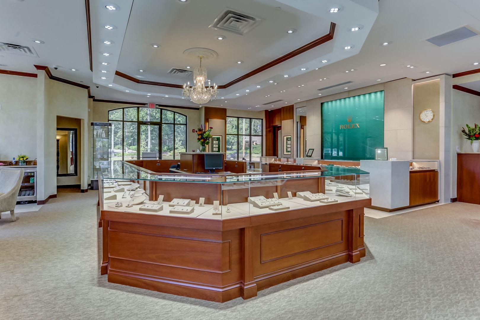 Albertine-Commercial-Bob-Richards-Jewelers-07.jpg