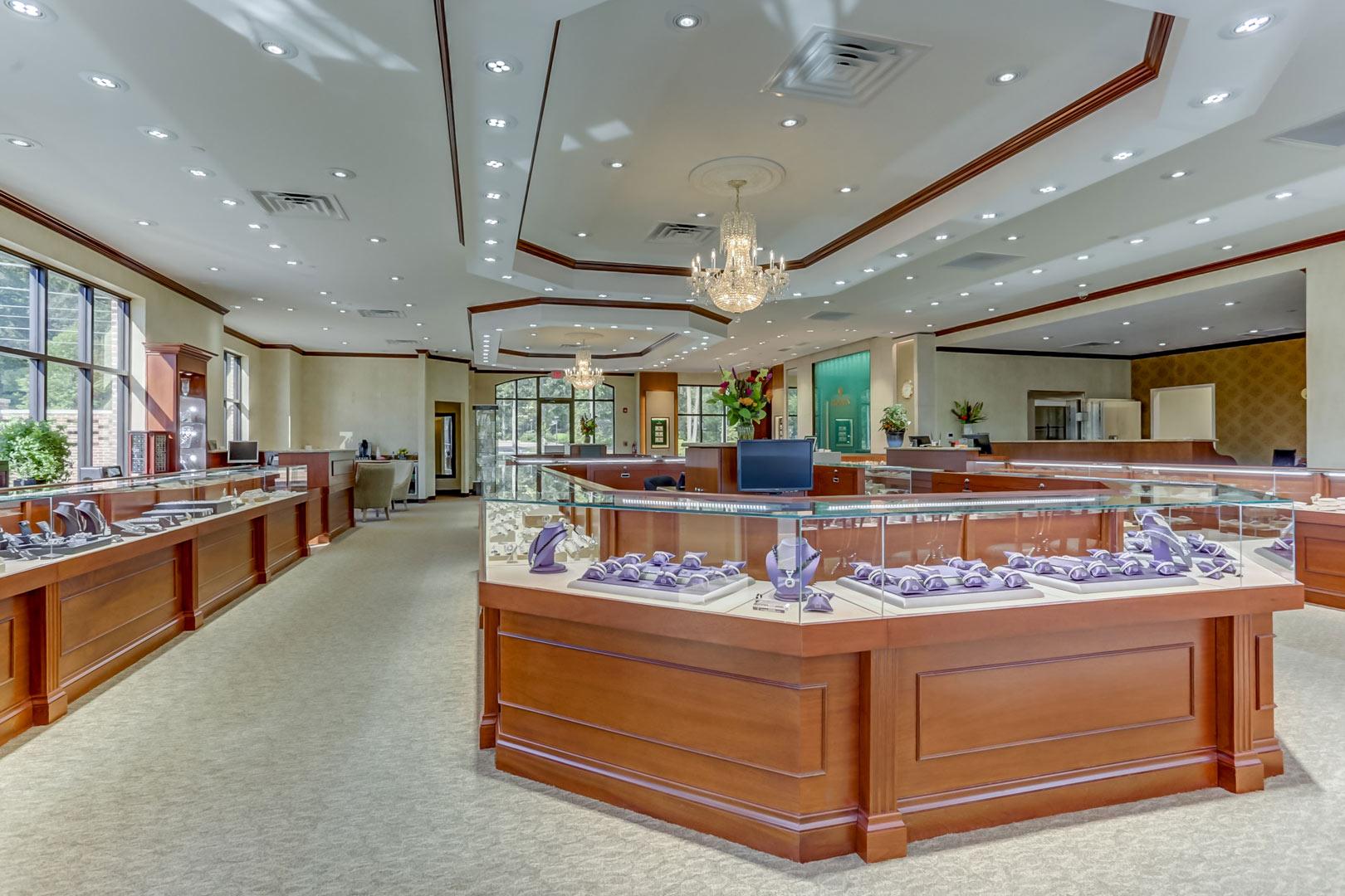 Albertine-Commercial-Bob-Richards-Jewelers-13.jpg
