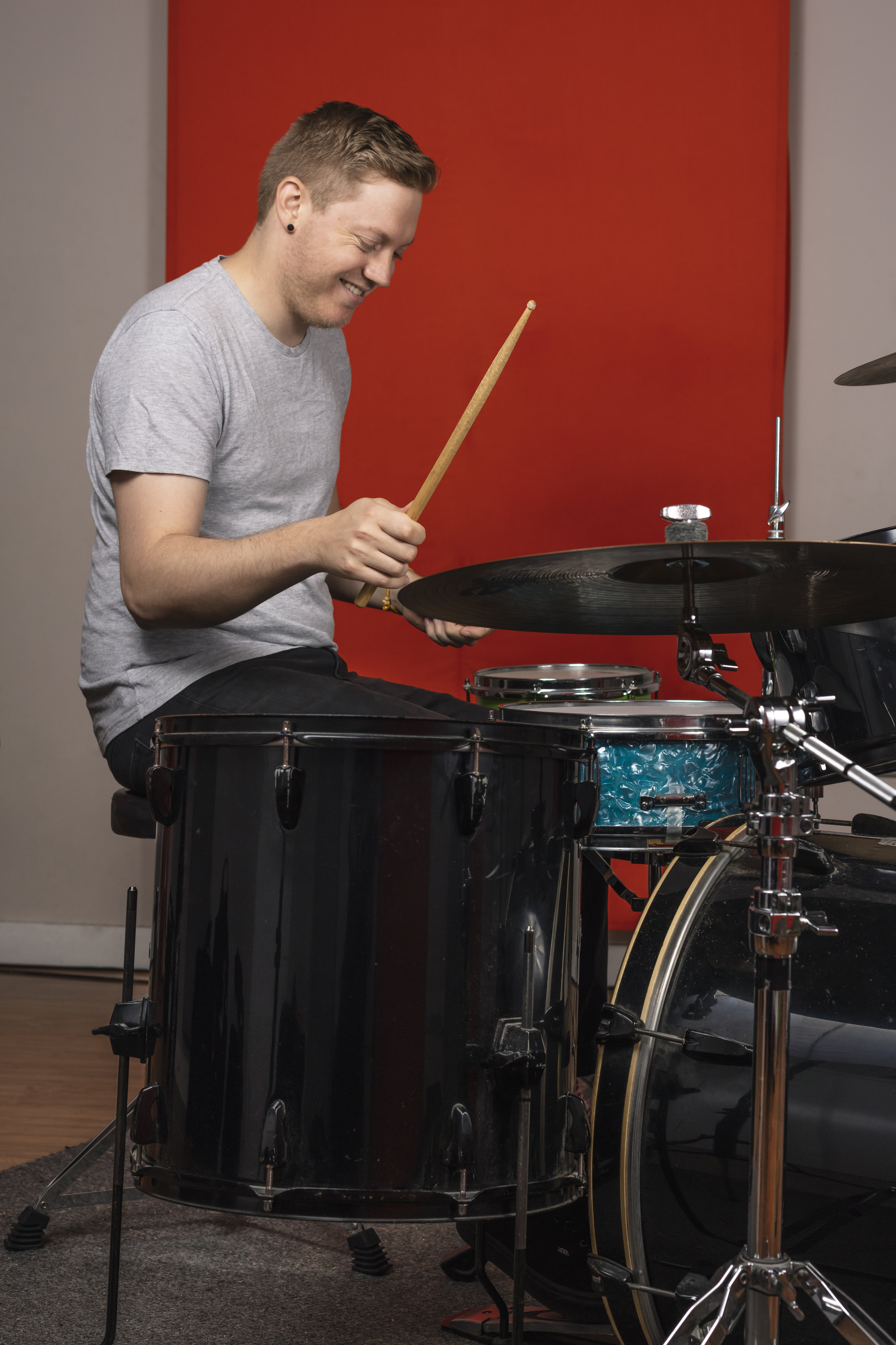 ADHD & Drumming - Using music is an amazing way to increase attentiveness; the drums in particular, are a great way to get rid of any excess energy at the same time! Many world famous musicians have ADHD and have used this to their advantage! Go Mad Drumming can help you do the same**Learn more ➝