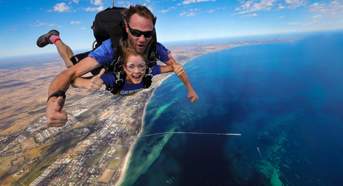 Adrenalin Hit List #4 - Fall from the sky with Skydive Geronimo