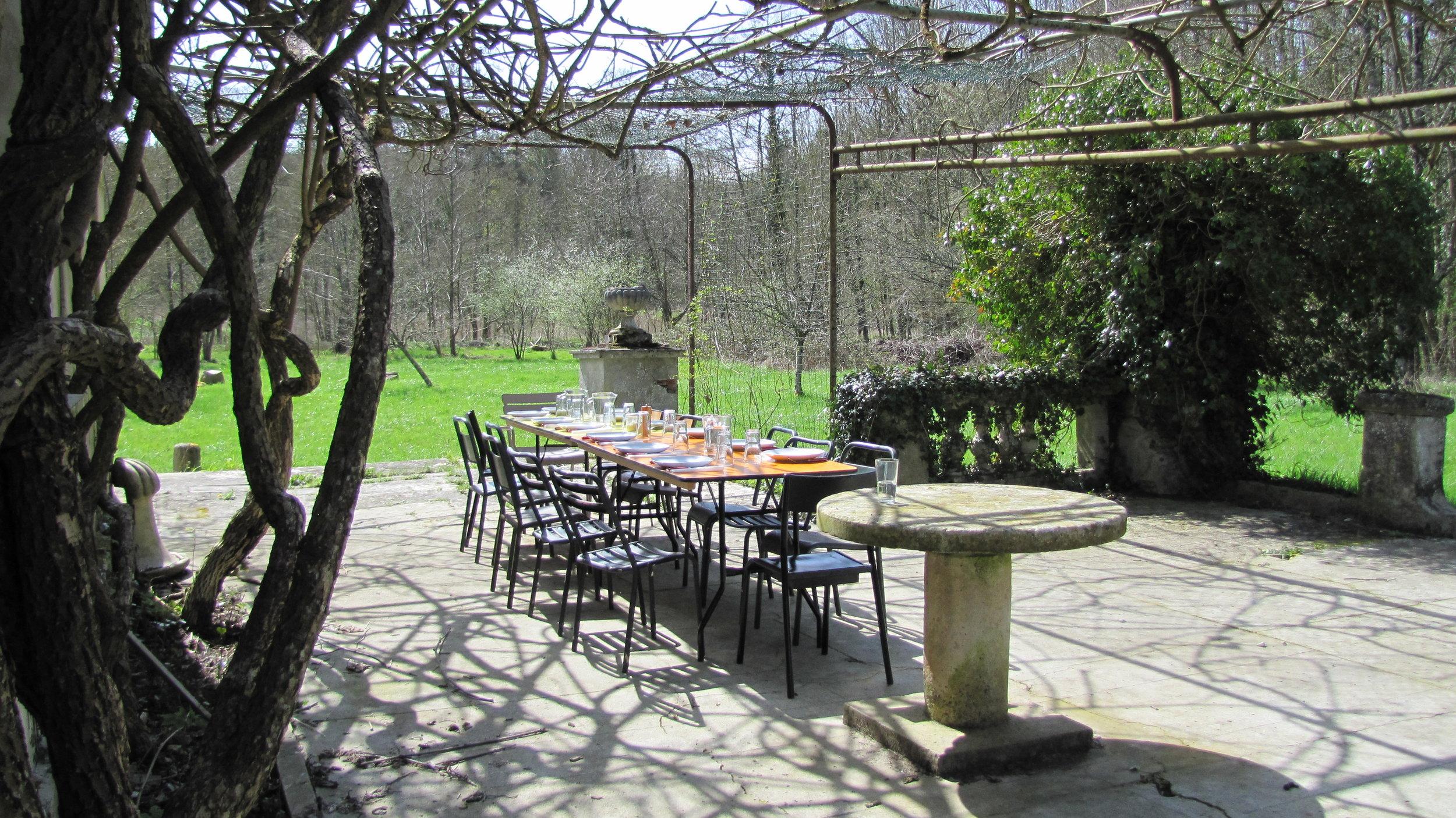 Terrasse extérieur Château.JPG