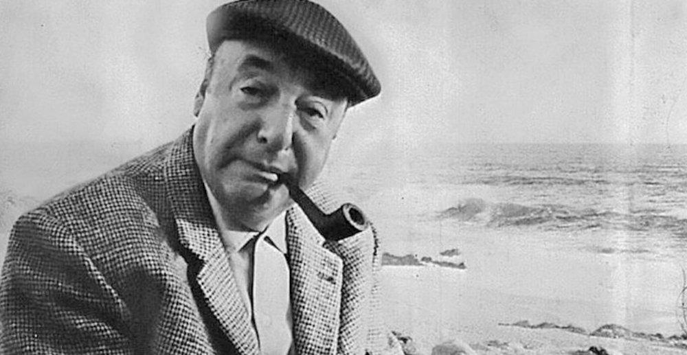 « Je demande le silence » de Pablo Neruda. - Qu'on me laisse tranquille à présentQu'on s'habitue sans moi à présentJe vais fermer les yeux.Amis, voilà ce que je veux.C'est presque rien et presque tout.Mais parce que je demande le silencene croyez pas que je vais mourir :c'est tout le contraire qui m'arriveil advient que je vais me vivre.Il advient que je suis et poursuis.Je n'existerai plus mais au dedansDe moi pousseront les céréalesD'abord les grains qui déchirentla terre pour voir la lumière,Mais la terre maternelle est obscureEt au fond de moi je suis obscurJe suis comme un puits et dans mes eauxLa nuit abandonne ses étoilesPour vaquer seule à travers la campagneJ'ai tant vécu c'est la questionQue je voudrais vivre à nouveauJe ne me suis jamais senti aussi sonoreJe n'ai jamais eu autant de baisers à offrirMaintenant comme toujours il est tôtLa lumière vole avec ses abeillesLaissez moi seul avec le jourJe demande la permission de naître.
