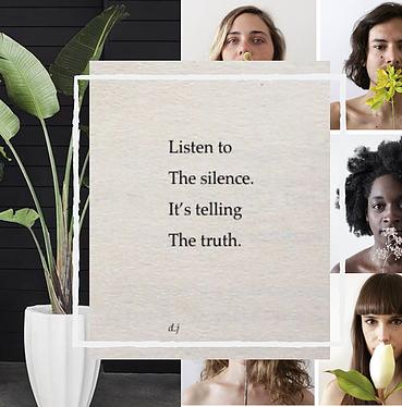 Elémentaire club. Article sur Silence, un moment suspendu. - Le silence est un phénomène en voie de disparition. Si rien n'est entrepris, il pourrait disparaître de notre planète dans les dix prochaines années.Pour la petite histoireEn partant de ce constat, Jeanne a eu envie d'agir. Car si nous vivons dans un monde de bruits, d'audiovisuel, de sonorisation, le silence est bon pour notre corps et notre cerveau. C'est un anti-stress naturel, il favorise la concentration, la créativité et permet de se reconnecter à soi-même.Jeanne s'est inspirée de Vipassana, une technique de méditation indienne, pour composer ses séjours. Les retraites Vipassana se déroulent sur dix jours en silence, au cours desquels les participants n'ont aucun contact avec le monde extérieur, ils n'ont pas le droit de parler, ni lire, ni d'écrire ou de réaliser une activité qui n'est pas dans les instructions. Les règles sont strictes - voire intenables pour certains - réveil à 4h, dix heures de méditation par jour, deux repas servis à 6h puis 11h. Après en avoir fait l'expérience, elle décide de mettre en place des séjours pour découvrir les bienfaits du silence, moins contraignants et plus adaptés à nos modes de vie occidentaux. L'objectif : rendre accessible cette technique à chacun.Silence propose donc de faire un break avec les décibels, faire de l'attention et du silence des biens communs. Et revendiquer le droit à ne pas être interpellé. Silence est mouvement qui prône le retour au calme et à la nature.Les événements SilenceSilence met en place des expériences immersives, à travers des retraites détox. Lors de ces séjours, tout est mis en oeuvre pour plonger les participants dans un univers apaisant et serein. En plus des périodes sans parole, les participants sont invités à la déconnexion digitale, ce qui a un effet libérateur immédiat.Au programme de ces retraites : des lieux spacieux en pleine nature, du yoga, de la méditation et des massages pour lâcher prise, et accompagner l'introspec