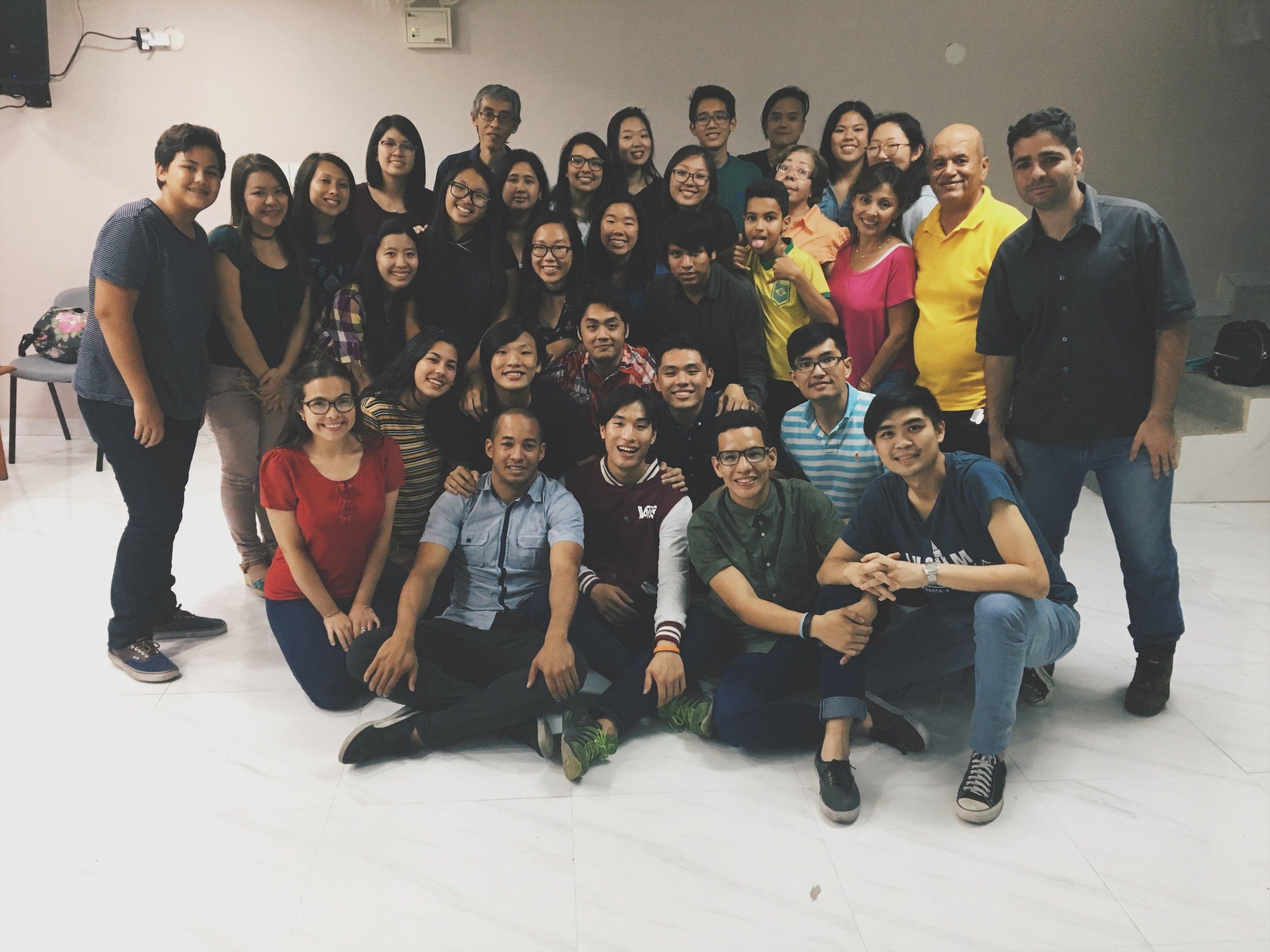 Youth group at Iglesia Bautista China de Caracas