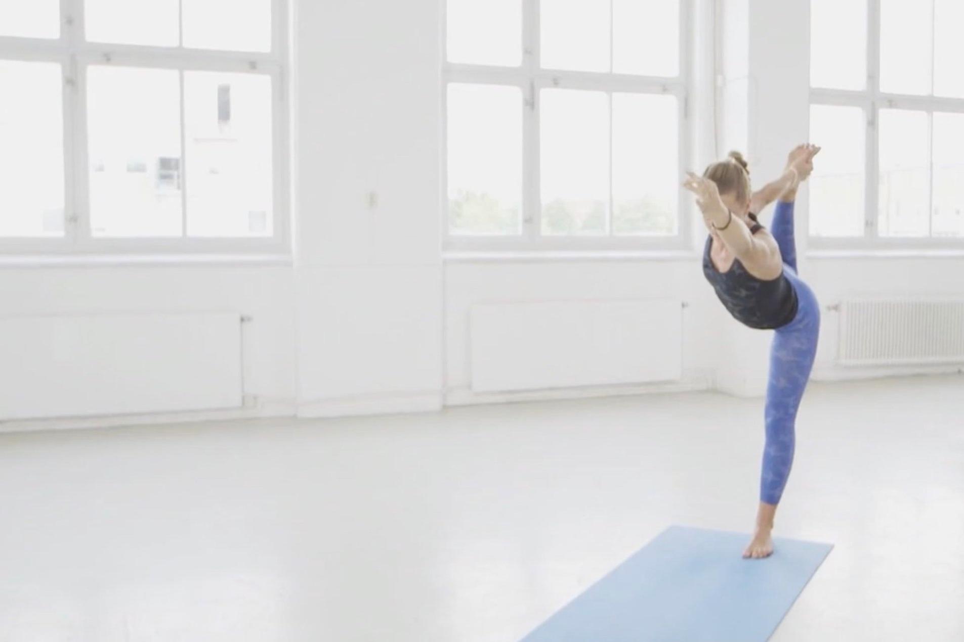 BALANS OCH STILLHET via flödande yoga som passar alla.