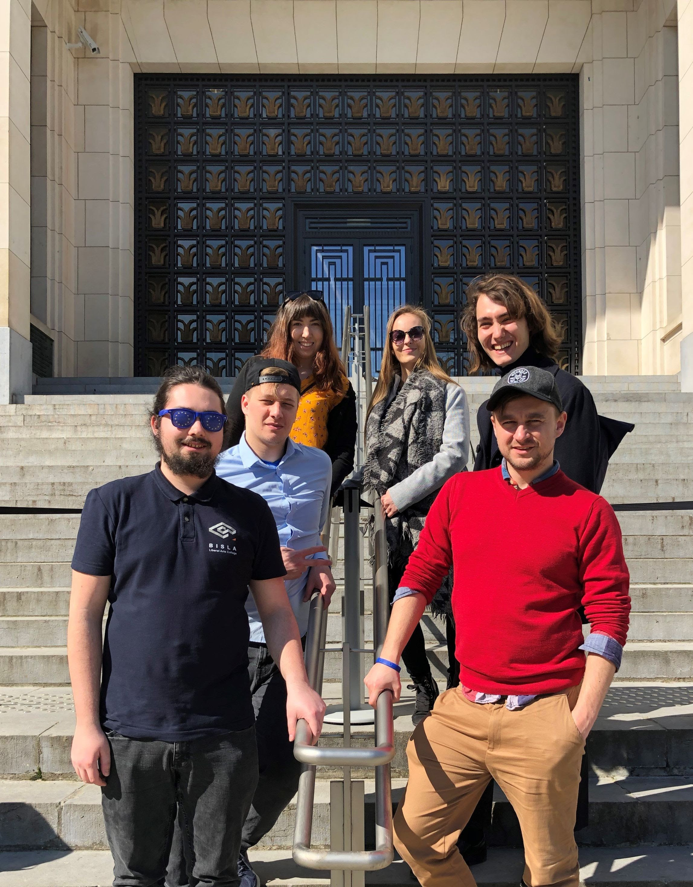 BISLA students in front of the museum of European History in Brussels. From the bottom left: Matej, Miloslav, Alexandra. From bottom right: Peter, Michal, Maria.