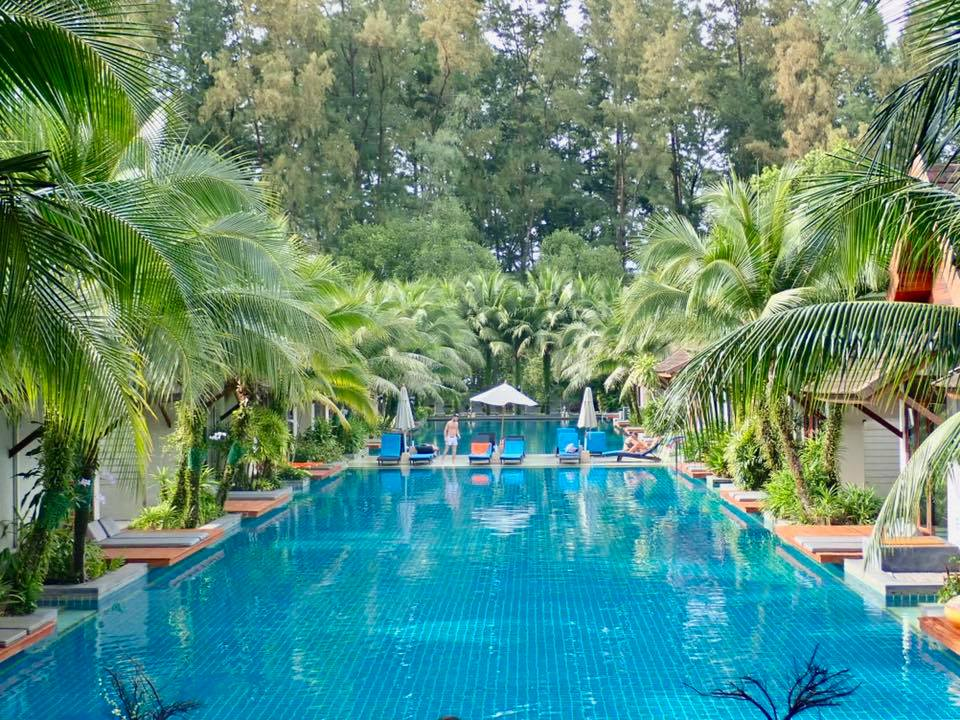 Tropical_pool