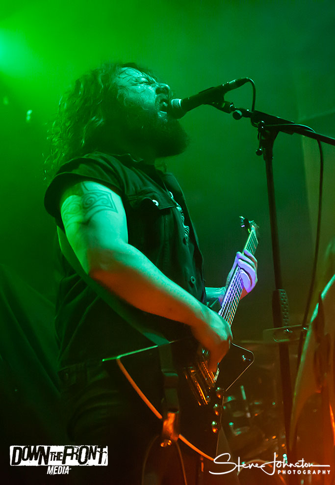 Wolves In The Throne Roomwittr_001.jpg