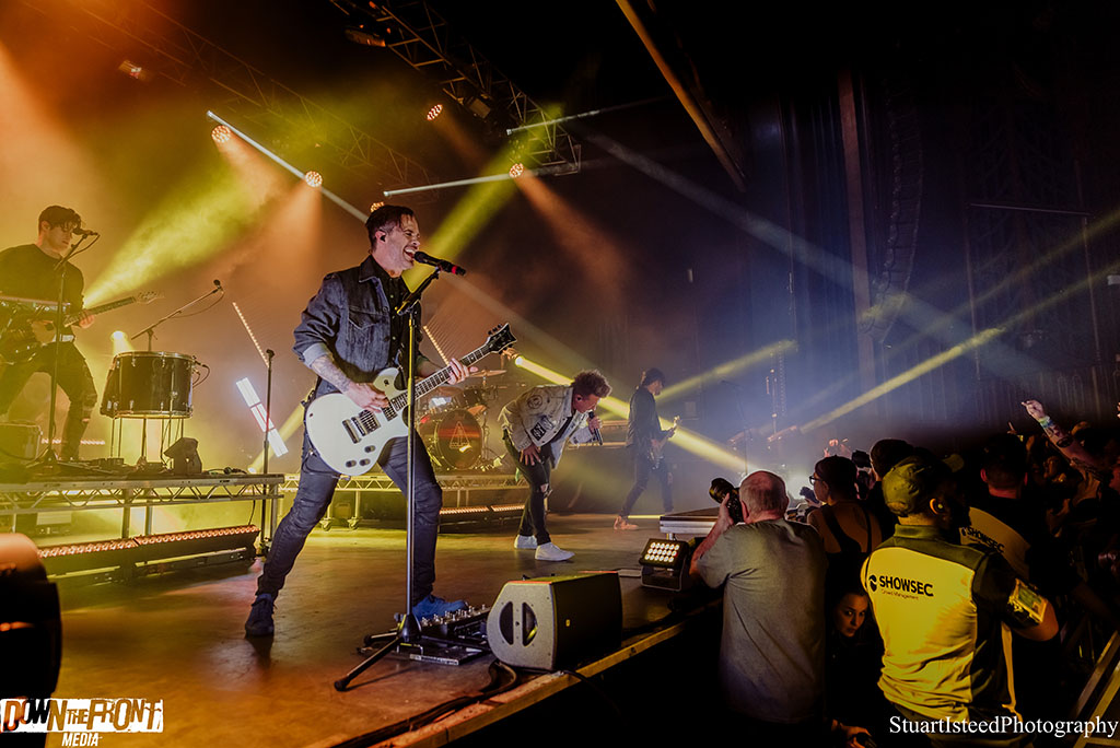 Papa Roach-17.JPG