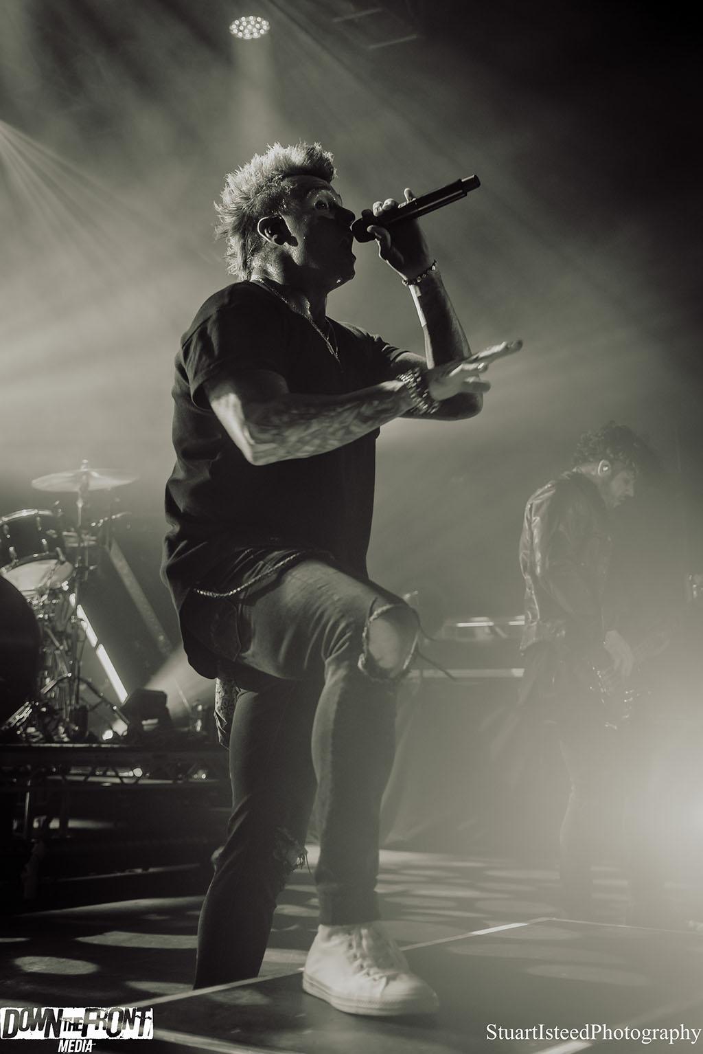 Papa Roach-35.JPG