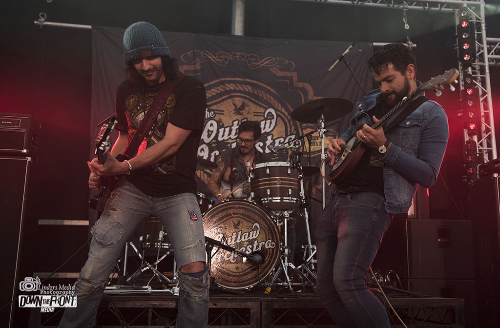 Outlaw Orchestra 05.jpg