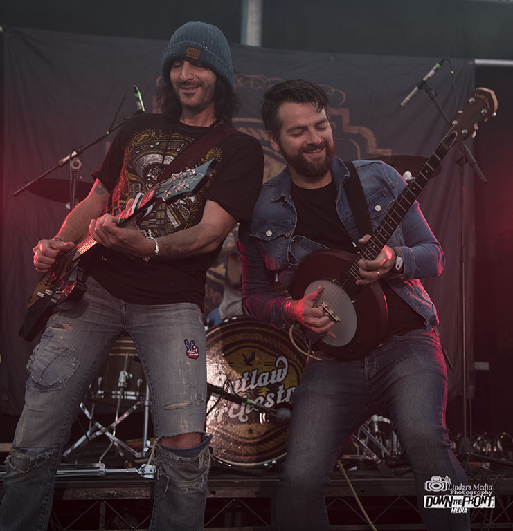 Outlaw Orchestra 07.jpg