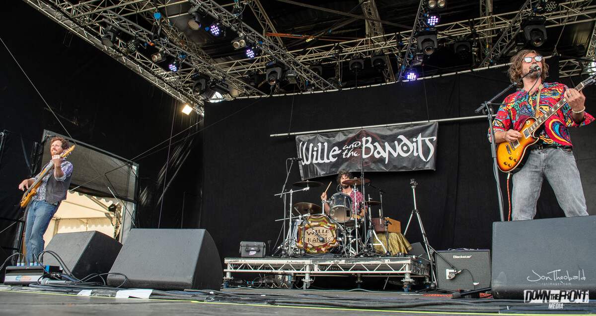 Wille and the Bandits-3.jpg