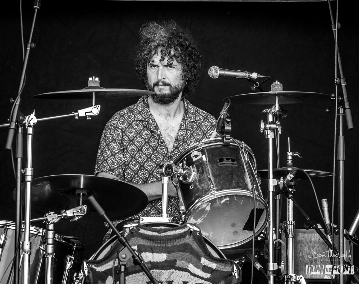Wille and the Bandits-10.jpg