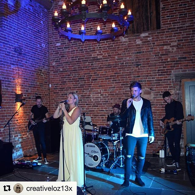 Our 5 piece band 📸 in action at a stunning Wedding of our family/friend's this weekend! ⁣ ⁣ Thank you @creativeloz13x for the share x