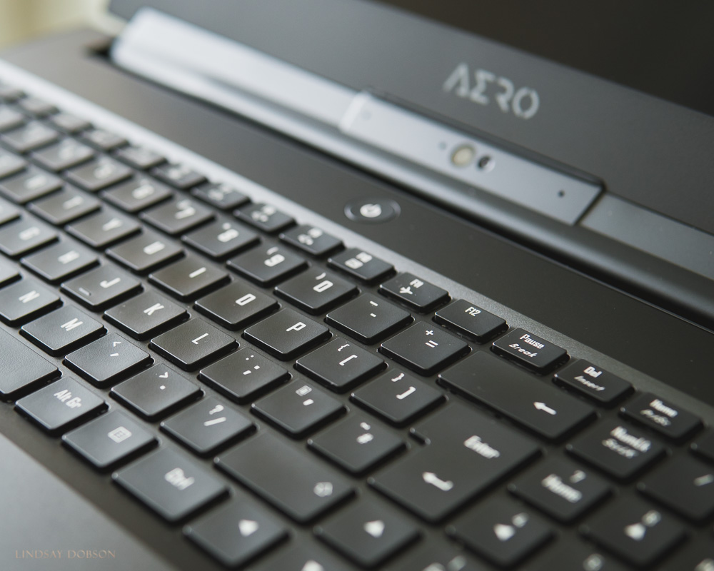 A tactile and responsive keyboard is vital in my opinion - the 15-X9 Aero's keyboard is better than expected, in fact it's a pleasure to use