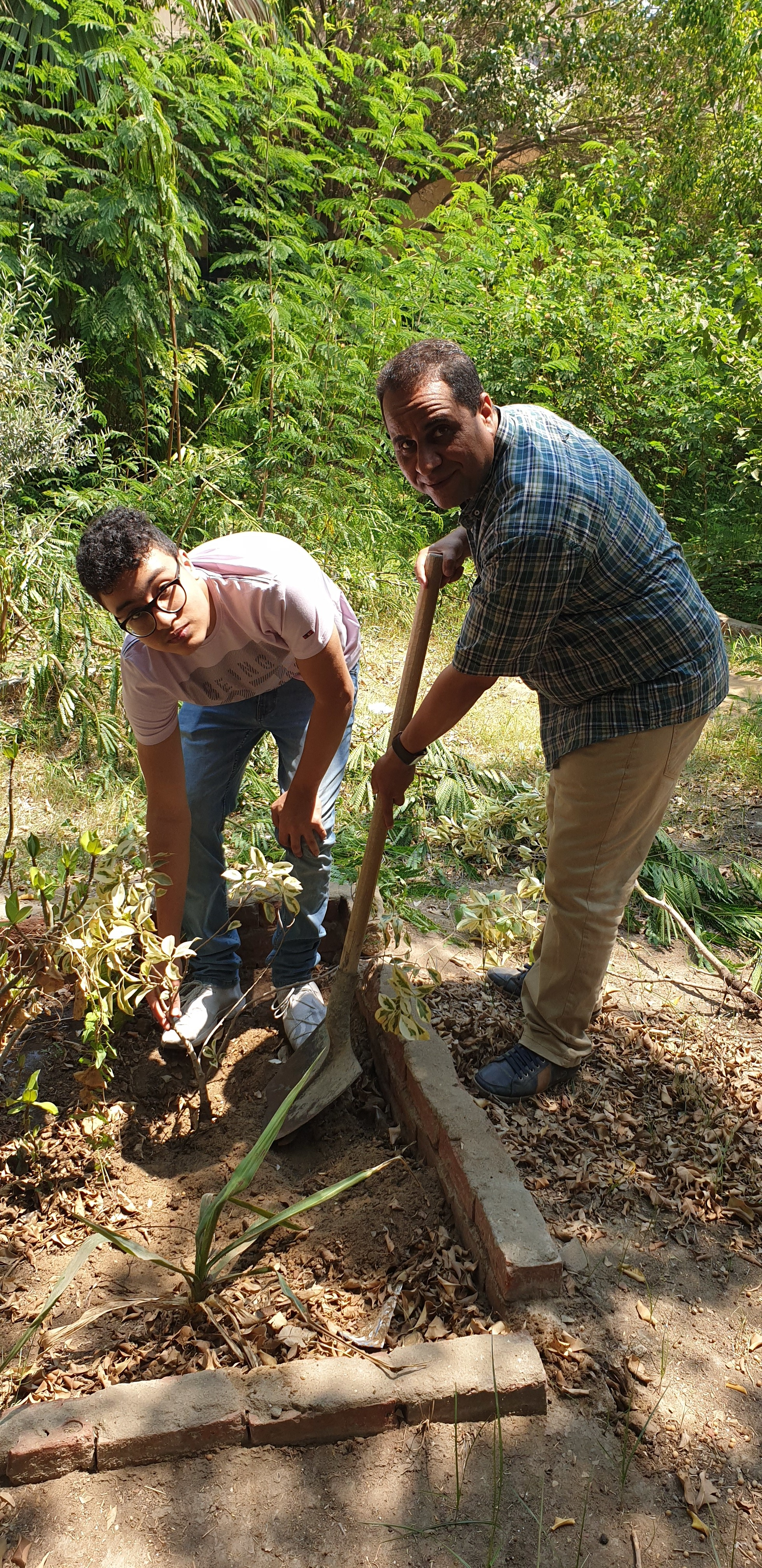 Future Language School - Planting trees2.jpg