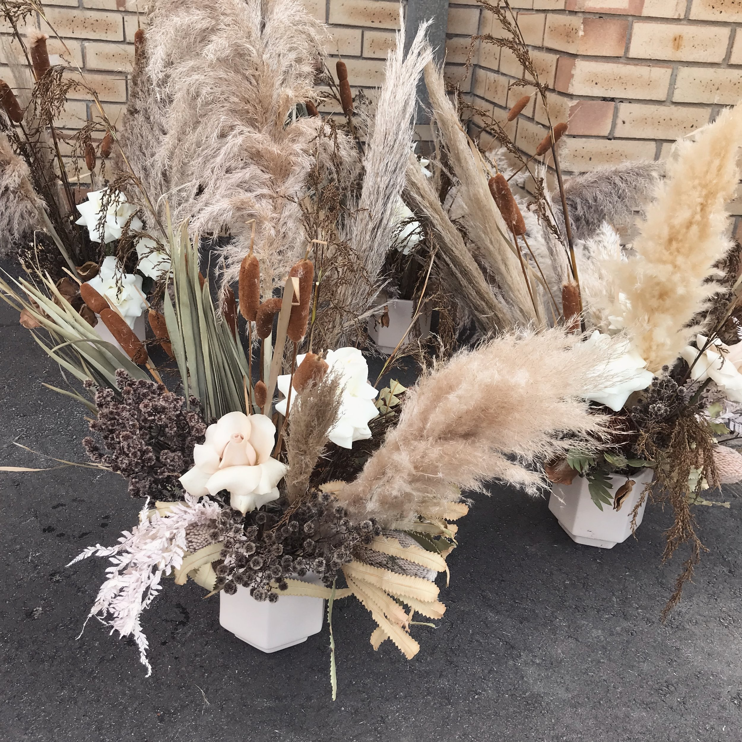 Dried Arrangements The Flower Girl Perth Northern Suburbs Flower Delivery And Weddings