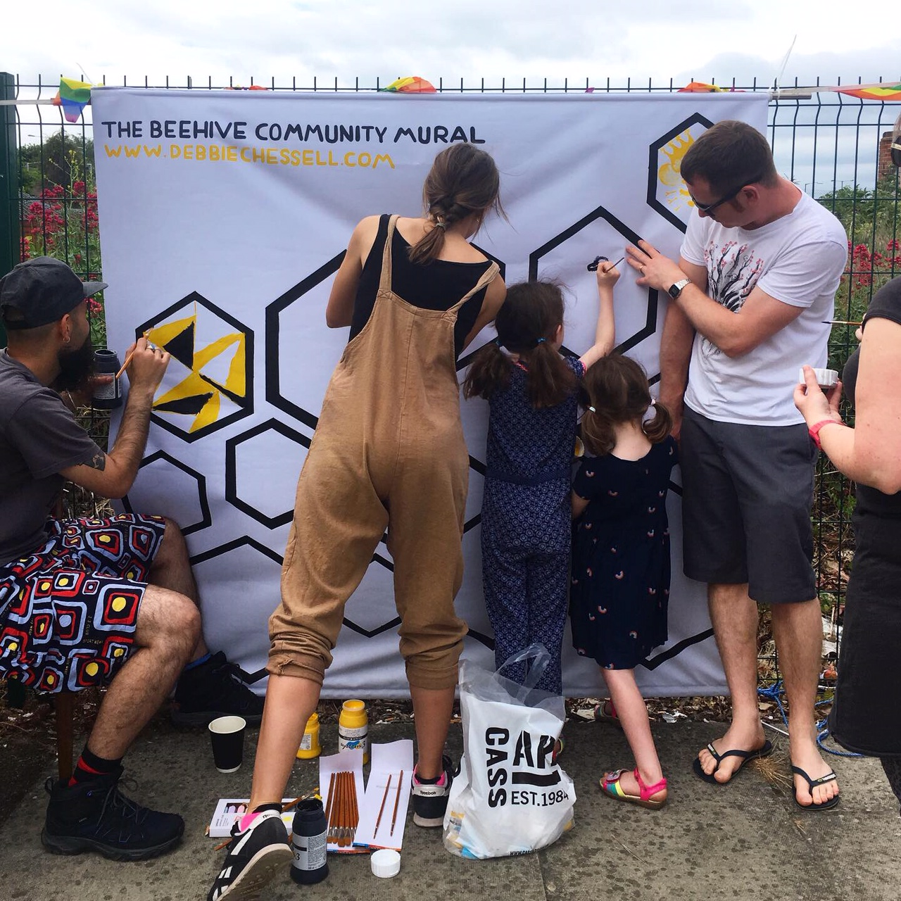 COMMUNITY MURAL   To help spread awareness of the project, The Beehive ran a community mural painting workshop at SHEDx's Tolworth Day event