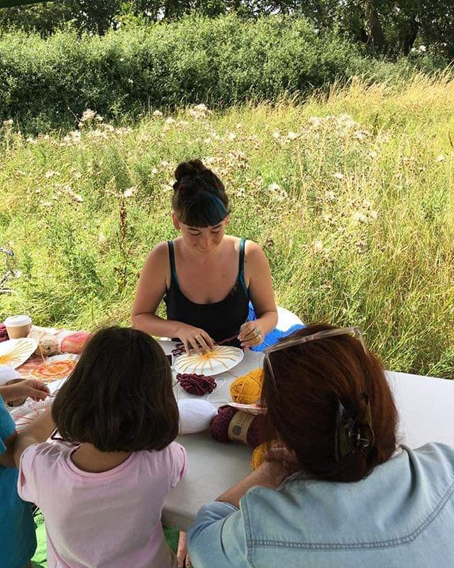 Love this photo @aneetski took of me the other week while I was teaching weaving at #shedx's event Tolworth Day in the Tolworth Nature Reserve for The Beehive project. What a happy, nature filled afternoon that was! Read more about the project and get involved - hit the link in my bio #Tolworth #communityart #publicart #artist #londonartist #thebeehive #weave #weaving #plateweaving #weavingloom #nature #naturereserve #workshop #community #public #event #thingstodo #summer