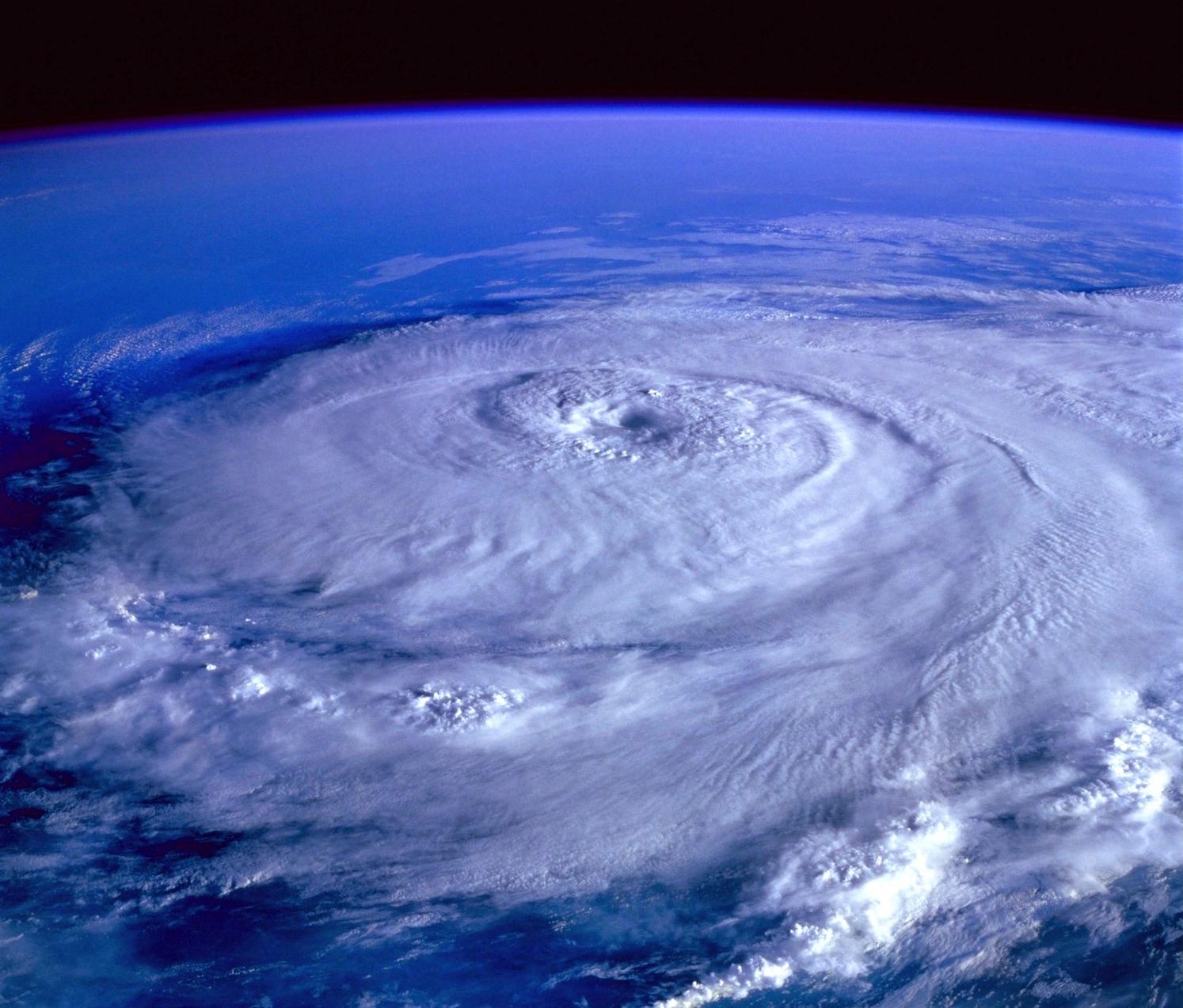 Photo hurricane dreamstime_xxl_88697173 copy.jpg