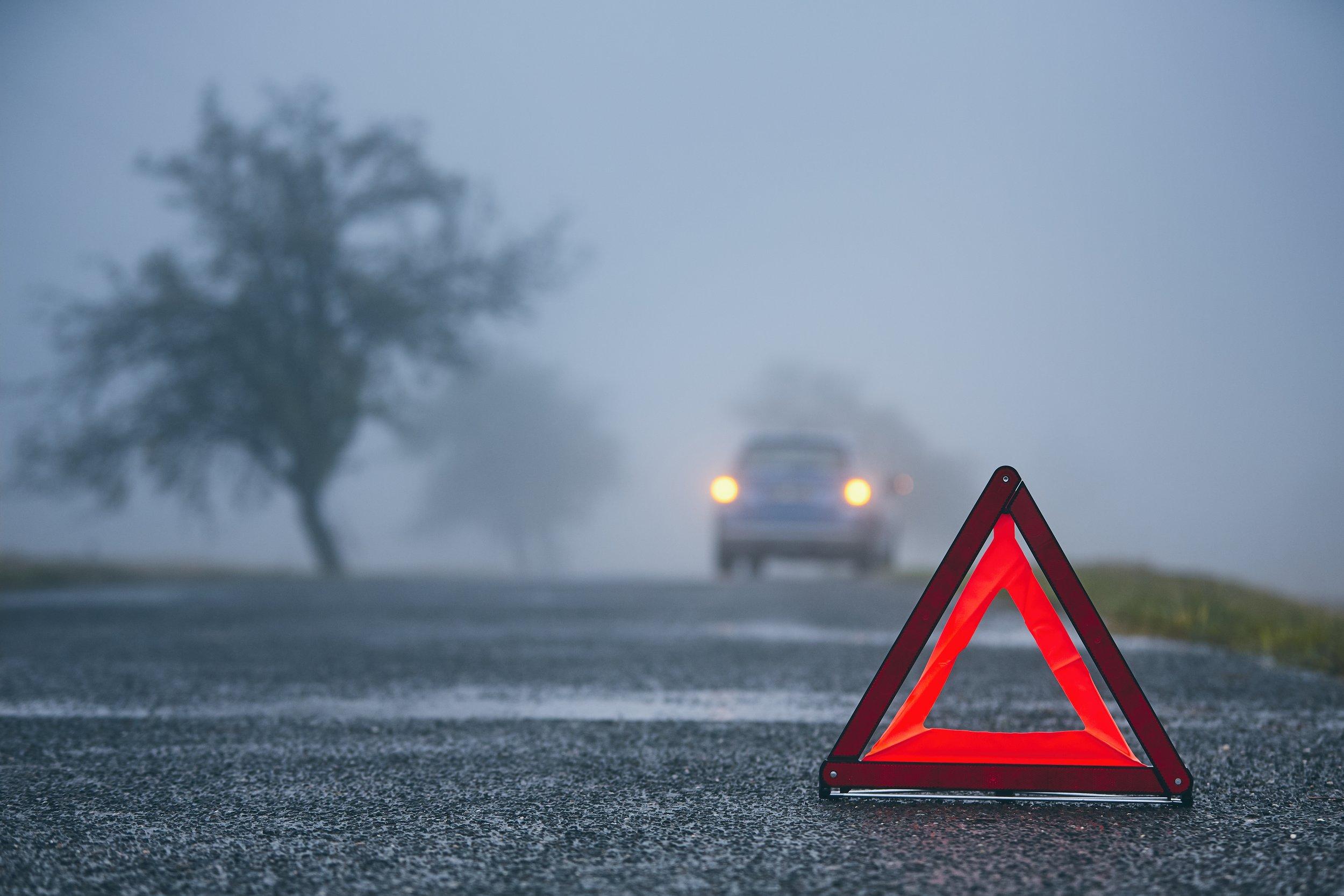 traffic-problem-in-thick-fog-23LF7TZ.jpg