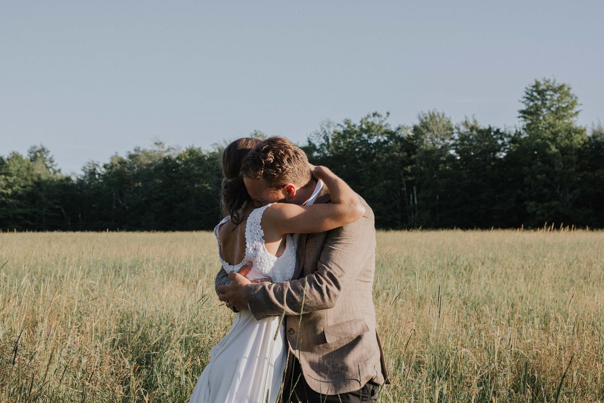 barn-wedding-maine-photographers.jpg