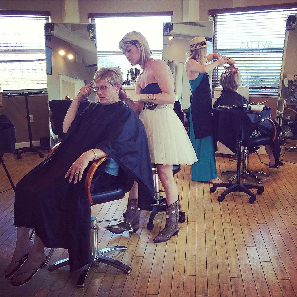 In Salon Linnea, with a client